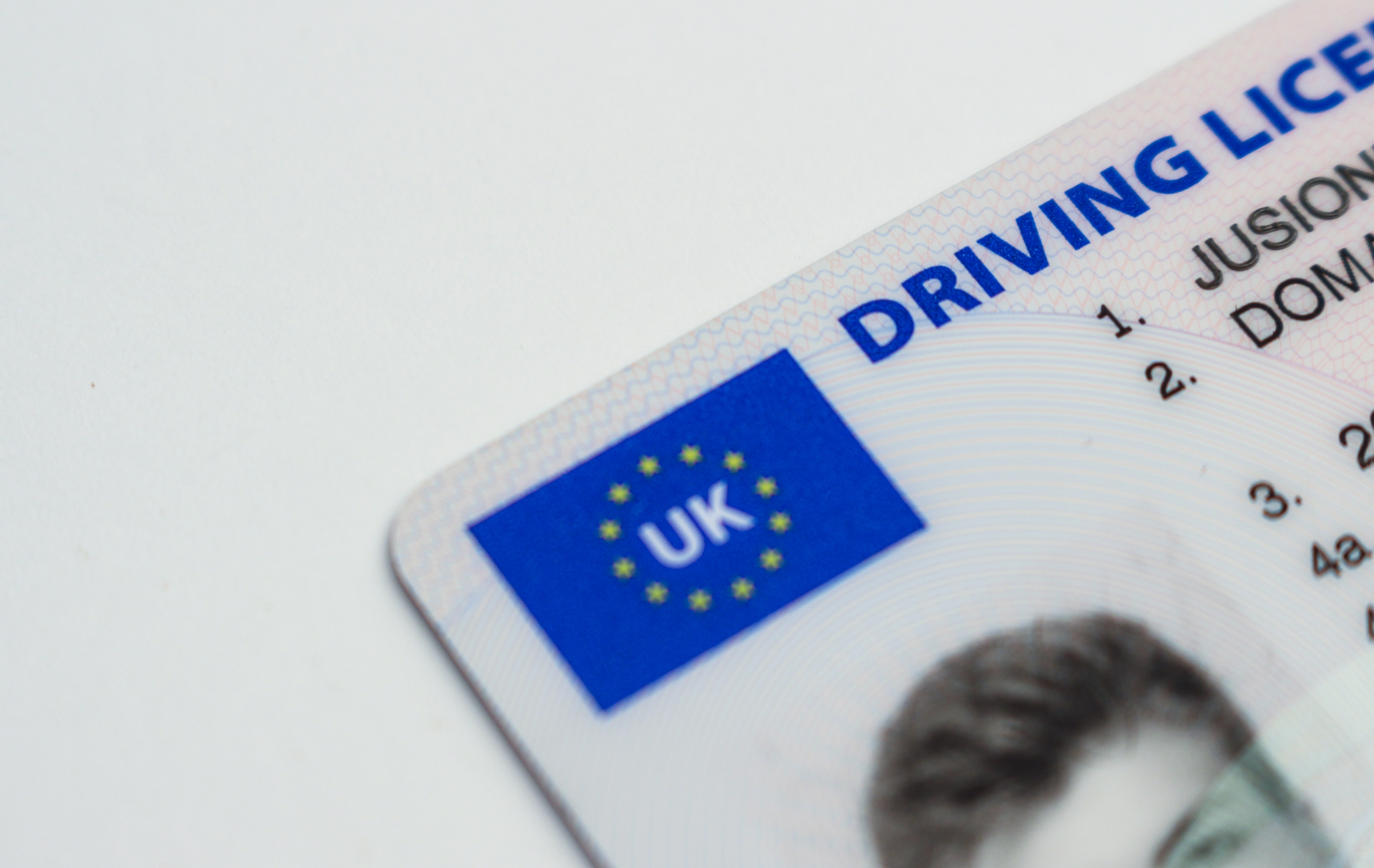 Receive your driving license if you learn to drive in a week.